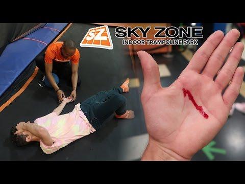 I CUT MY HAND OPEN AT SKY ZONE... WTF? (WORST TRAMPOLINE PARK FAIL)