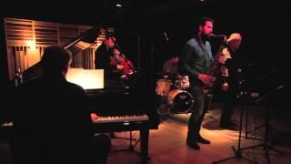Even Steven - Gonzalez & Ximenez Quitet feat. Vince Benedetti (piano)