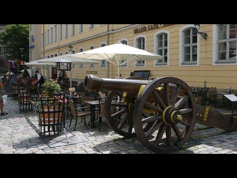 Der Pulverturm an der Frauenkirche -Gewölberestaurant in Dresden UHD / 4K