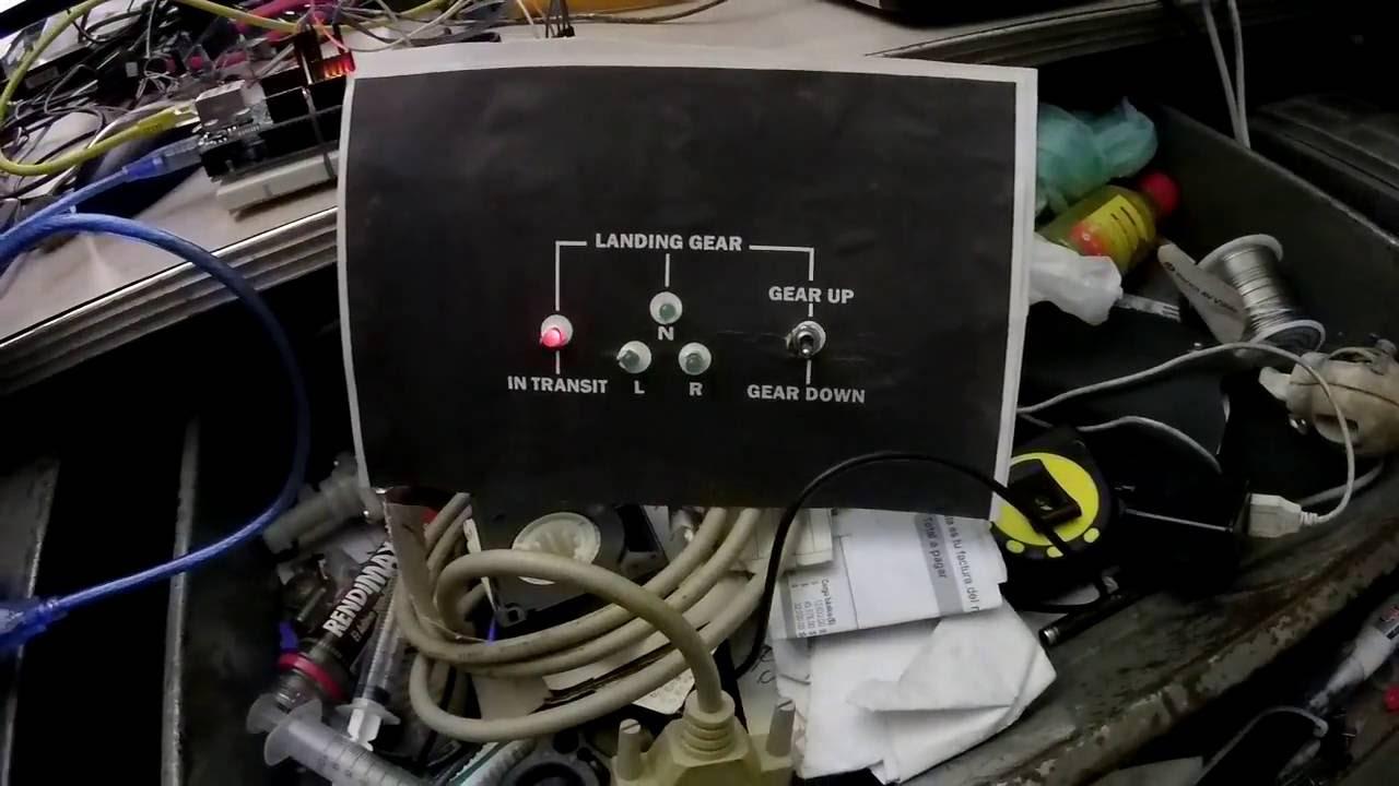 Ardsim landing gear demostration pluging Arduino by Milton Rodriguez