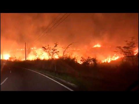 Incêndio assusta moradores e motoristas em Castelo