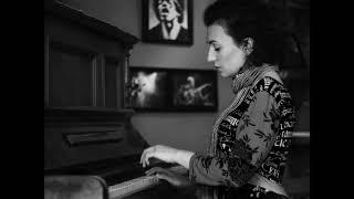 KEEP ON BACKING LOOSERS by Silje Nergaard - Milena Ivanova