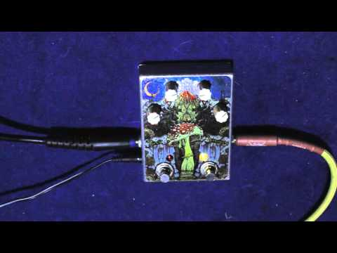 Fuzzhugger FX Sonic Shroom Bass And Guitar Demo