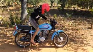 Aprendendo andar de moto