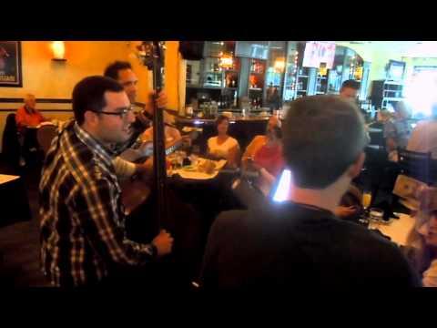 a luncheon in Chicago had live tamburitza music (Oct 2015)