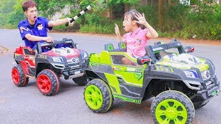 Kids play Learn to drive Car & Colors Traffic lights! Kids Red, Green Cars Song Children