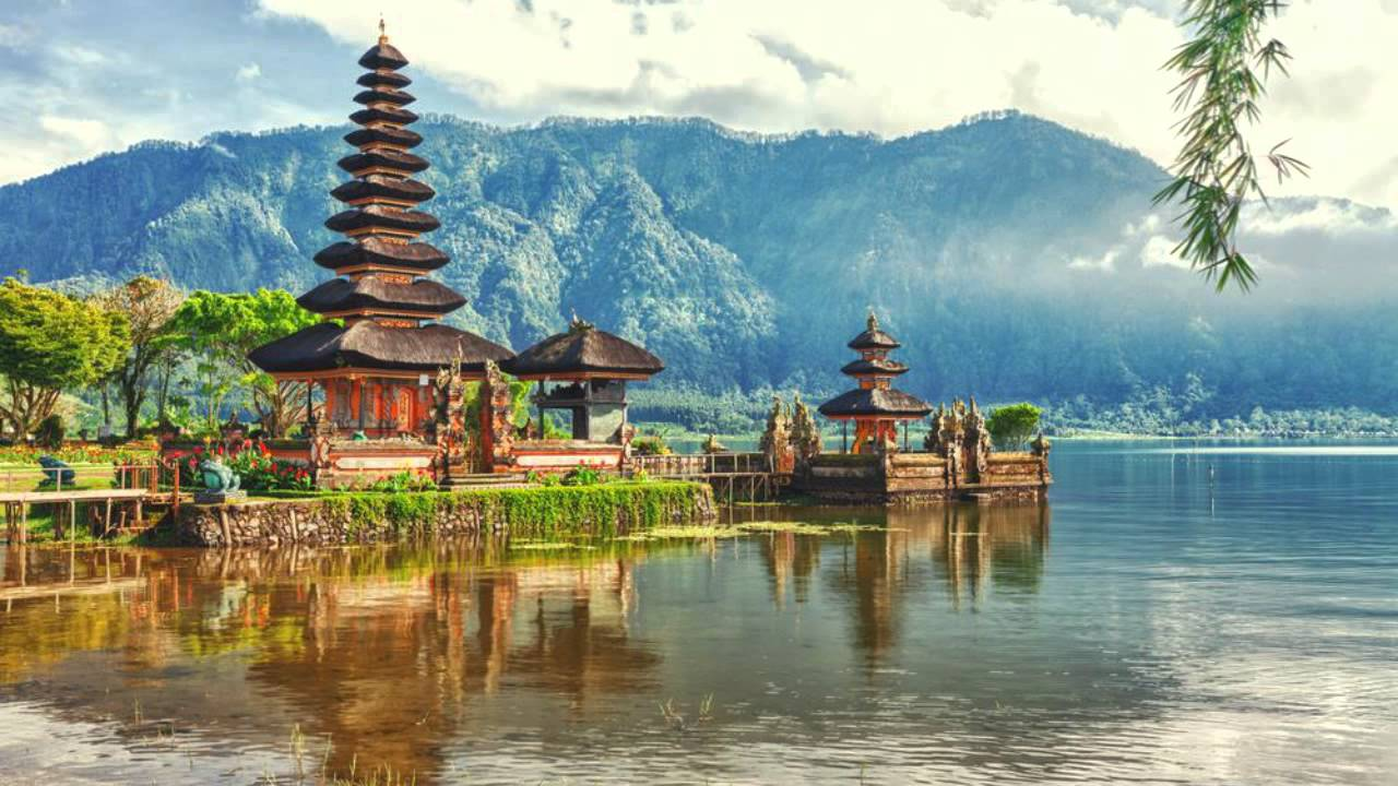 The 10 Beautiful Places Around World You