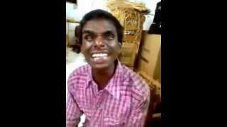 whatsapp funny video (a funny type of singing) ..