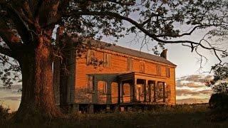 Gambar cover Abandoned 18th century NC plantation house