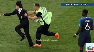 Dan 15 días de cárcel a las Pussy Riot tras interrumpir la final del Mundial Rusia 2018