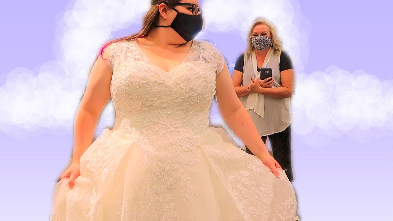 Jessica's Getting Married! Trying On Wedding Dresses!