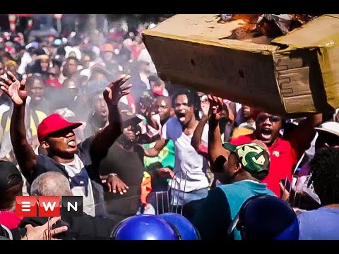 #Fees2017: Violence erupts in Cape Town's CBD