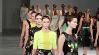 St Tropez - Self Tanning Tips from London Fashion Week the St Tropez Way Thumbnail