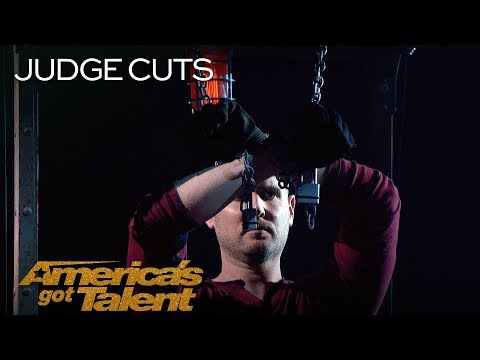 Rob Lake: Chained Up Illusionist Magically Disappears - America's Got Talent 2018