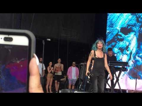 """Halsey - """"Empty Gold"""" Live (HD) @ The Billboard Hot 100 Festival NY 08/22/2015"""