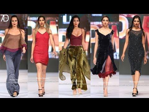 Karachi fashion show .