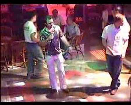 Mike Lewis singing at Baran Karaoke Bar Marmaris