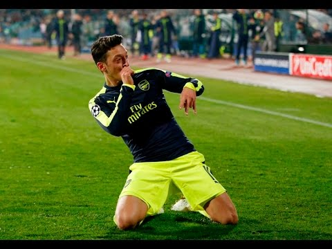 Arsenal 3 Ludogorets 2  | Does Ozil Win It? | Player Ratings Feat DT