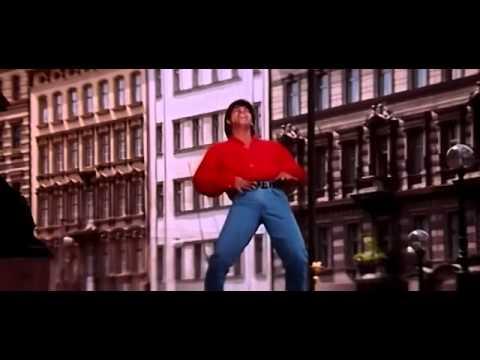 Shah Rukh Khan and Juhi Chawla in