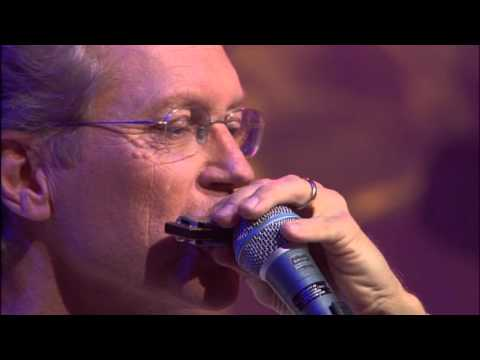 America & Christopher Cross - Lonely People (Live in Chicago)