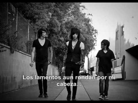 Black Veil Brides-The Mortician's Daughter (Sub. Español).mp4
