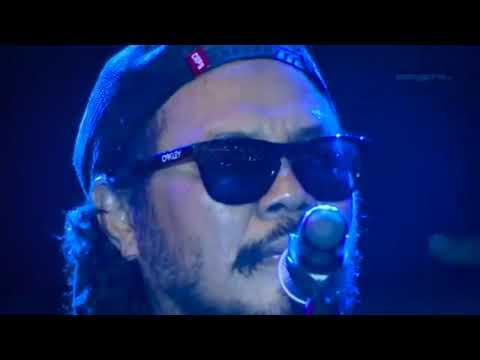 Jamrud - Pelangi Di Matamu (Live At Synchronizefest)