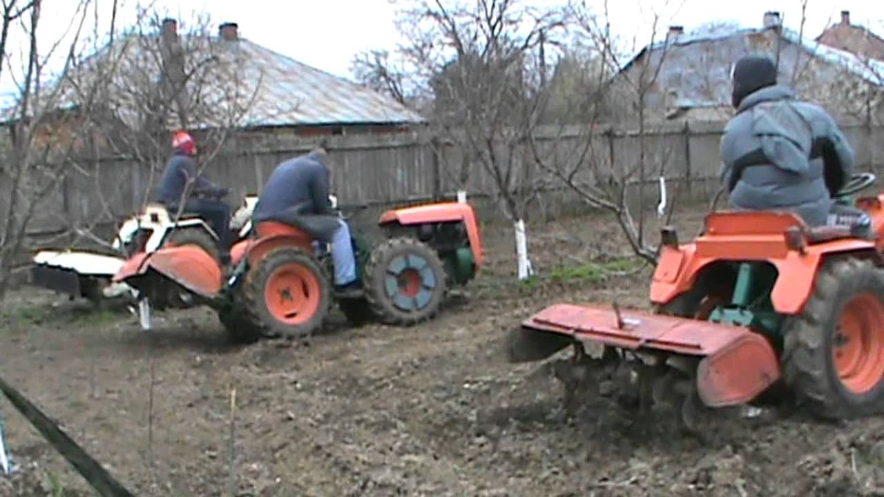 3 TRACTOARE 4X4 IN LIVADA3 garden tractors 4x4 at working