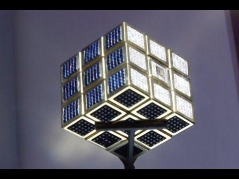Erno Rubik Peringati 40 Tahun Kubus Rubik