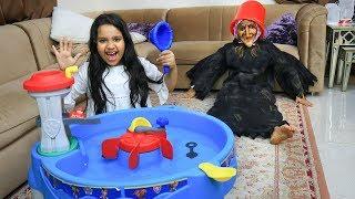 شفا منعت جدتها من النوم بالعابها !! shfa pretend play with grandmother