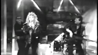 Watch Bonnie Tyler Hide Your Heart video