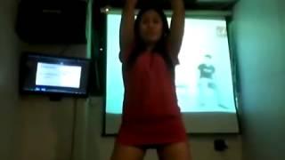 Goyang Striptis Di Ruang Karoke
