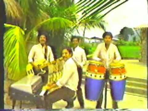 Banda blanca de honduras aurora youtube for Blanca romero grupo musical
