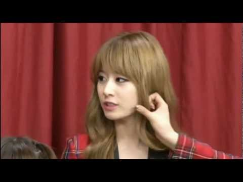 T-ara Jiyeon Super Cute Talk Show in Japan 2012 (JiJung Moment)