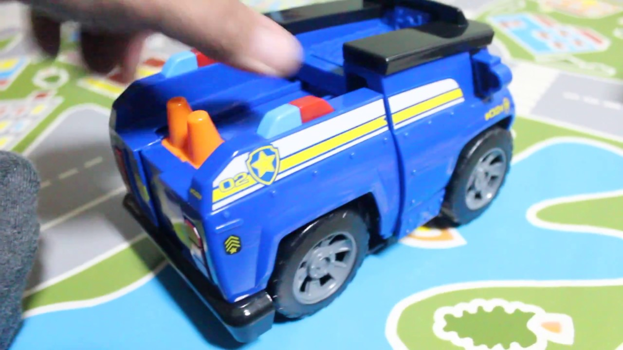 A Paw Patrol: Chase Police Car