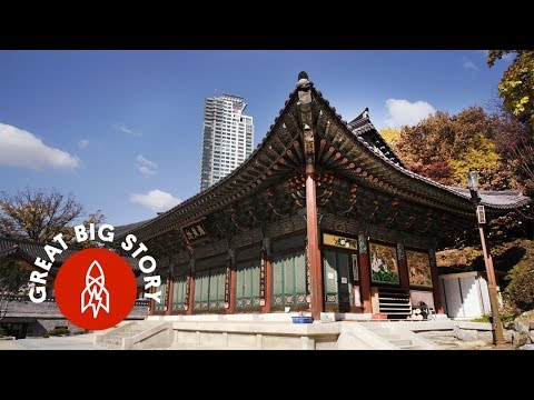 Visiting 5 of Seoul's Iconic Neighborhoods