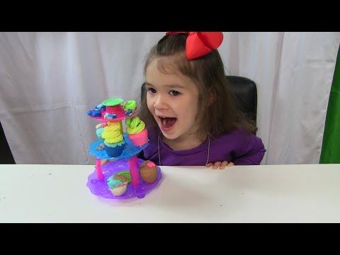 """Đồ Chơi Đất Nặn """"Tháp Bánh Play - Doh""""  Bé Peanut Làm Bánh Play Dough Cupcake Tower"""