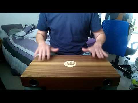 Lear to play cajon : comparsa