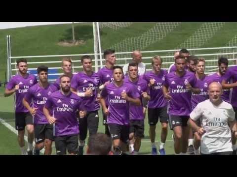Le Real Madrid au Centre Nutrilait