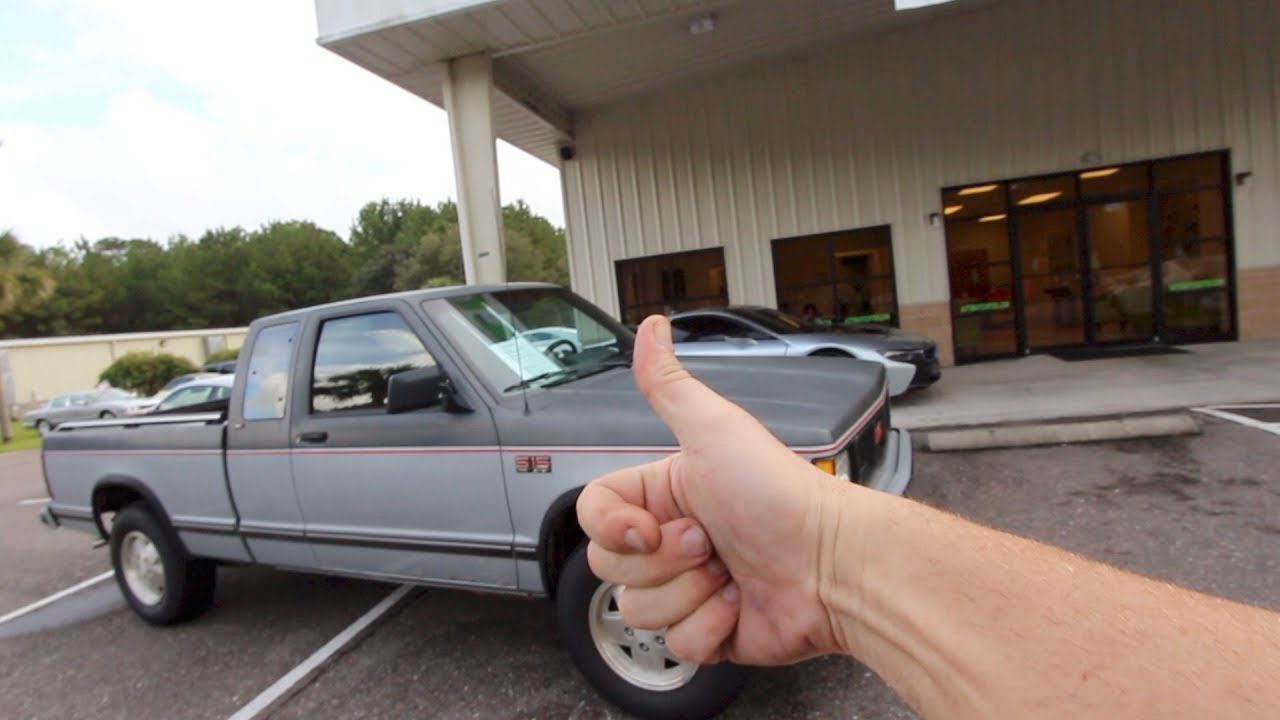 32 YEARS LATER - 1986 GMC S15 w/4x4 | In Depth Review ( For Sale $4500 )  Classic Pickup Truck