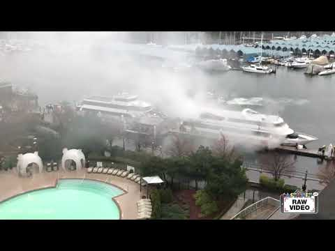Raw: Fire on yacht in Coal Harbour