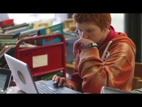 Everett Middle School students get Chromebooks for school