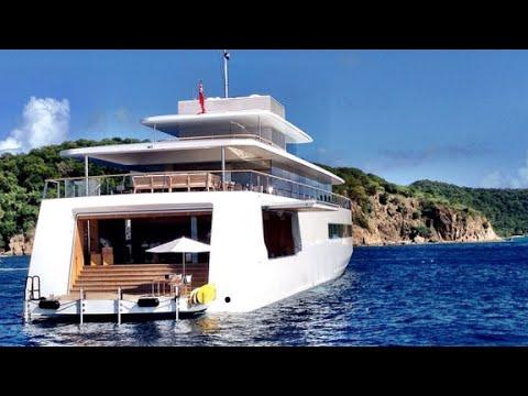 Rare glimpse of Jobs' yacht
