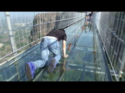 恐怖と絶景を同時に味わえる橋10選