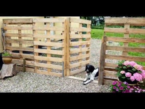 How to build a fence using wooden pallets