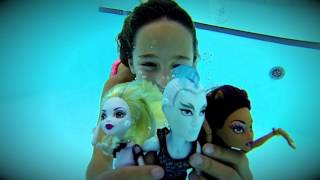 Carla Underwater - Playing with my dolls underwater