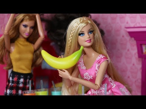 "Life With Barbie Episode 31 - ""Going Bananas"""