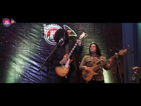 Arya & Band - THEY