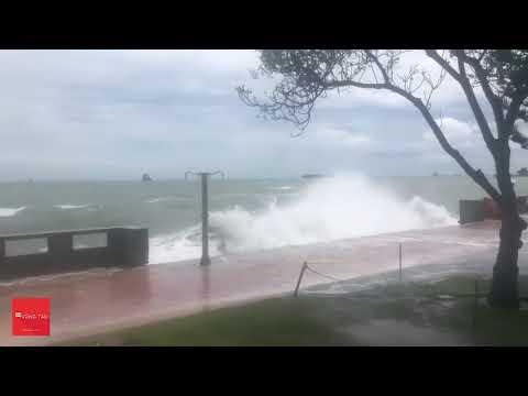 Bão Biển Vũng Tàu (Bãi Trước) giận dữ mùa mưa 7/2018 - Đi du lịch Không nên tắm biển