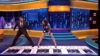 """Tom Hanks & Sandra Bullock"" Play Chopstick On A Big Piano On The Jonathan Ross Show 12 Oct 2013"