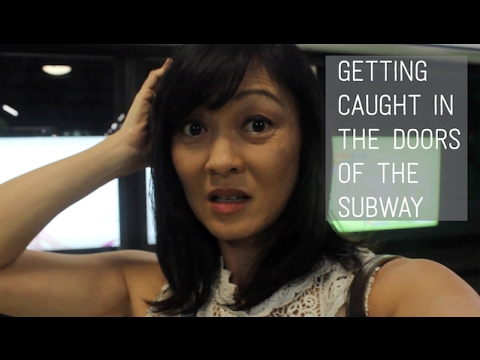 Pregnancy Vlog 18: GETTING CAUGHT IN THE DOORS OF THE SUBWAY!!
